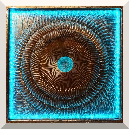 Matthias Kretschmer | Götterfunken | Objekt, Assemblage | 82 x 82 cm | 2019